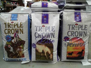oct.triplecrown.horsefeed